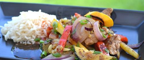 Wok med fläskkött och grönsaker