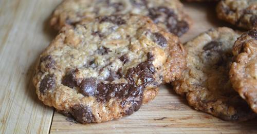 Cookies med choklad och jordnötter