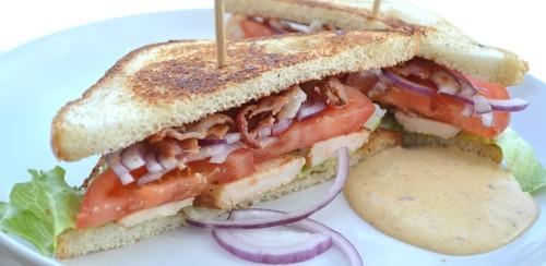 Club sandwich med mangoraja