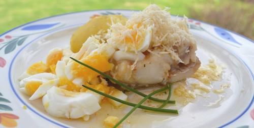 Torsk med ägg, brynt smör och pepparrot