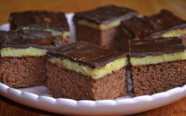 Chokladkaka med mandelsmörkräm