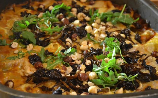 Cannelloni med älgfärs toppad med svamp, ruccola och nötter