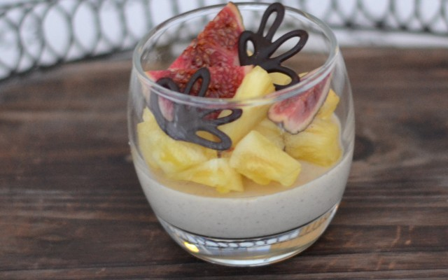 Vaniljpannacotta med frukter
