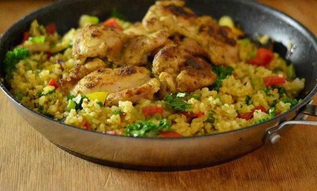 Kyckling med kryddigt grönsaksris
