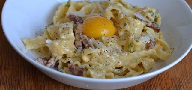 Pasta Carbonara med salami