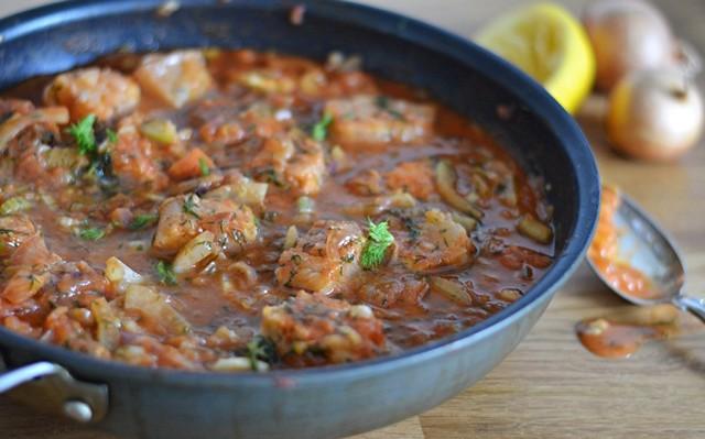 Fiskpanna med tomat och fänkål