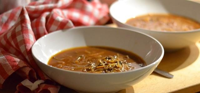 Köttfärssoppa med vitkål och morot