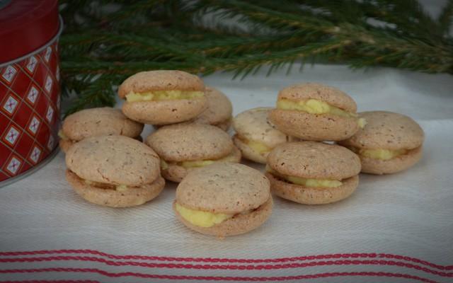 Anettes dubbla mandelmaränger med smörkräm!