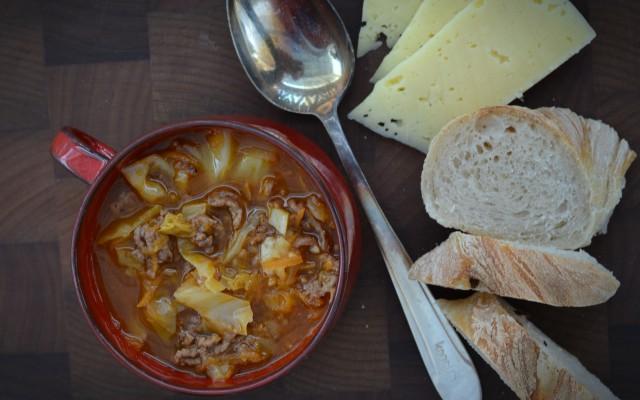 Enkel köttfärssoppa med vitkål
