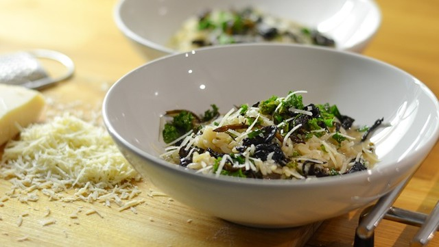 Risotto med grönkål och svamp