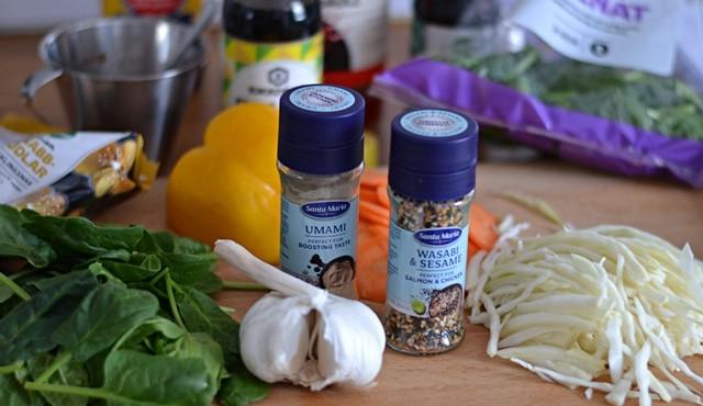 Sesamkyckling med nudlar och grönsaker