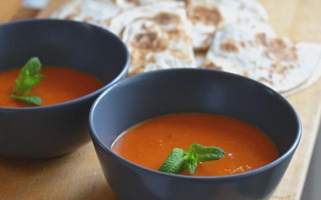 Tomatsoppa med pasta